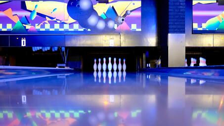 bowling-bowling-pins-business-344029